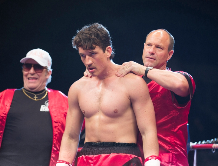 BFT-D25-212(Left to right) Ciaran Hinds, Miles Teller and Aaron Eckhart in BLEED FOR THIS. Photo credit: Seacia Pavao/ Distributor: Open Road Films